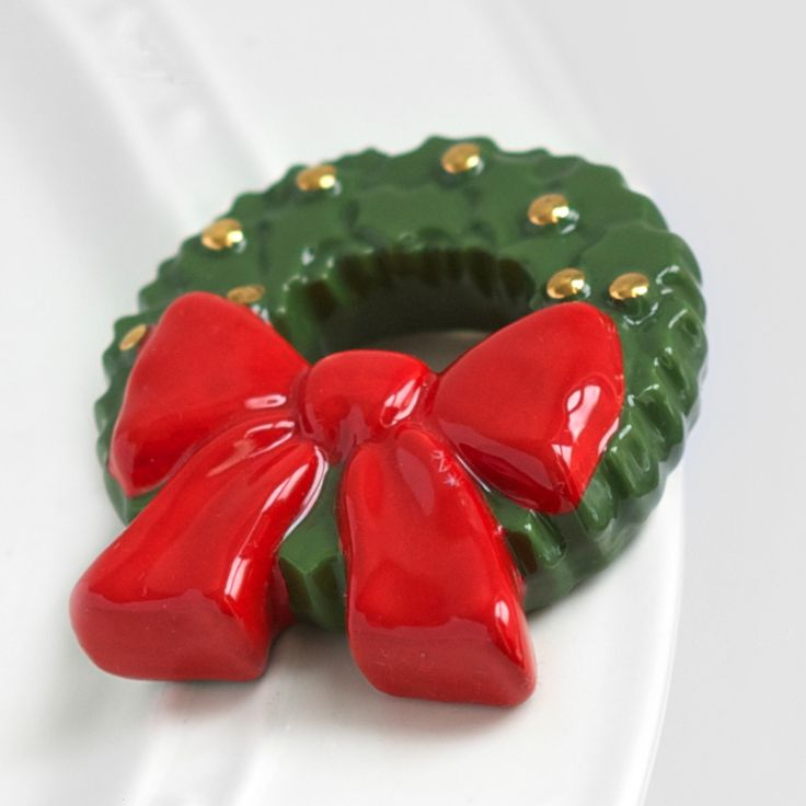 Nora Fleming Christmas Wreath Mini | Ceramic minis attach to Nora ...