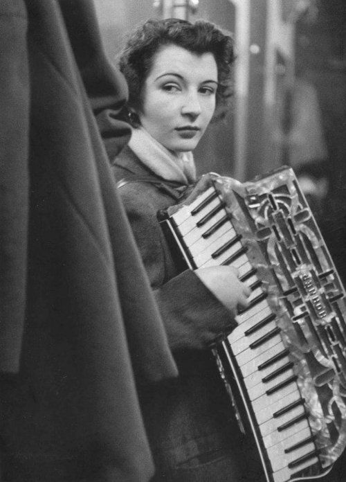 mama's got a squeezebox, daddy doesn't sleep at night