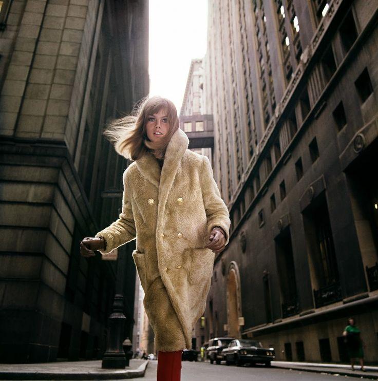 c2 Jean Shrimpton, Wall Street, 1964 Photo William Helburn
