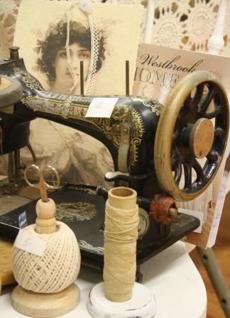Old sewing machine, via Flickr.