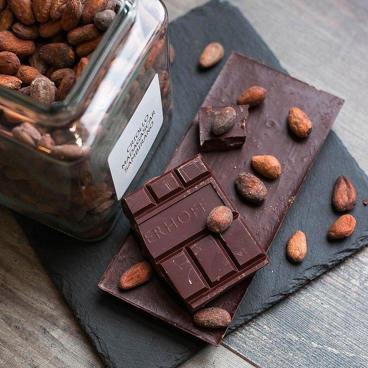 136 отметок «Нравится», 3 комментариев — Сырная лавка «Четыре Сыра» (@fourcheesestore) в Instagram: «А мы тут шоколадками балуемся🍫 Вы знали, что одна долька шоколада Verhoff эквивалента... Да ничему…»