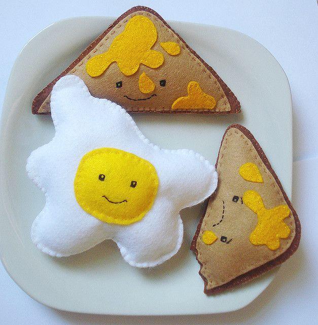 felt eggs and toast