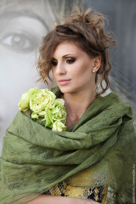 Купить Шарф валяный шерсть на шелке олива - оливковый, абстрактный, шарф зелёный, шерстяной шарф