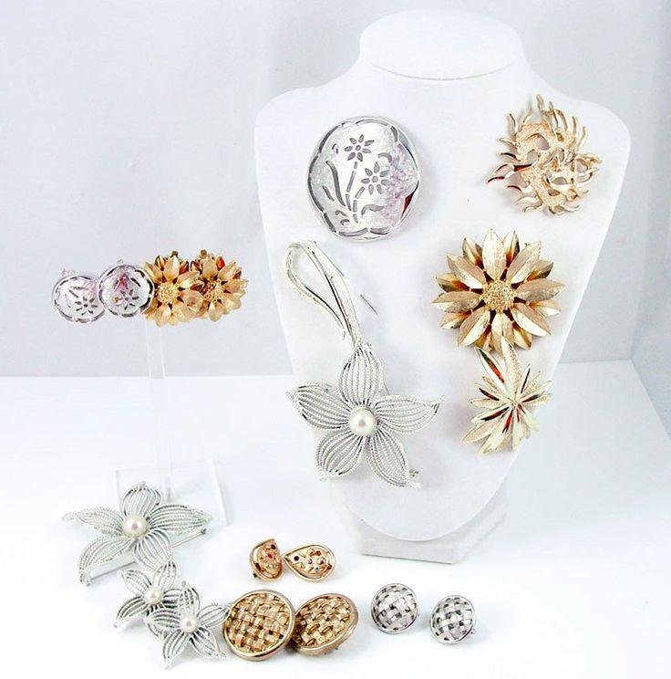Sarah coventry brooch lot brooch earrings set vintage for Vintage sarah coventry jewelry catalog