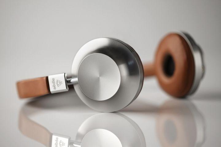 aedle VK1 premium industry design Industrial Design modern industrial industrial design| http://industrialdesignbret.blogspot.com