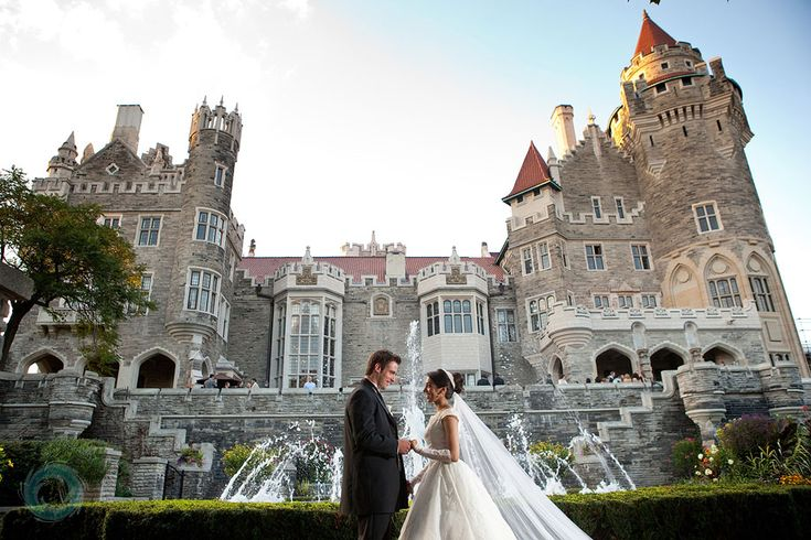 40bride-and-groom-photography-casa-loma