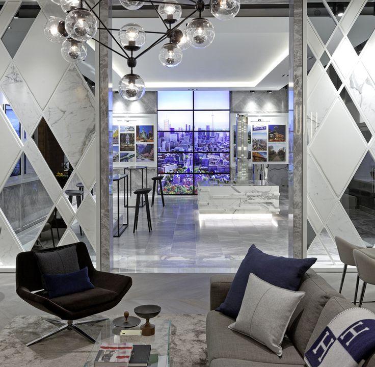 Зеркало в интерьере: 14 способов отражения своего уникального стиля http://happymodern.ru/blizhnee-zazerkale-14-sposobov-primeneniya-zerkal-v-domashnem-interere/ Истинный модерн: мраморная стена с зеркальными вставками
