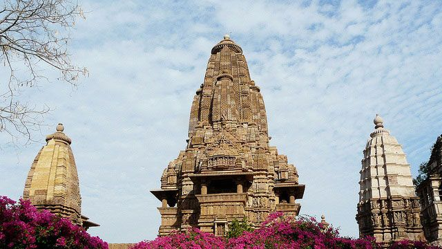 The #KhajurahoTemples, located in Central India in the state of Madhya Pradesh are a unique group of temples signifying and elaborating the rich cultural heritage and architectural brilliance of Medieval India. These temples are famous for depicting the sexual positions and lovemaking techniques which show the sexual life of the medieval Indian times. These temples are the most visited heritage site in India after The #TajMahal and are also included in the UNESCO World Heritage Site list…