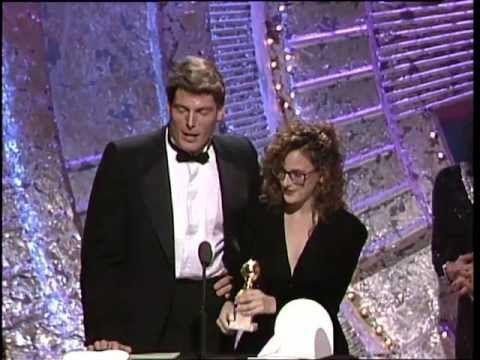 Robin Williams Wins Best Actor Motion Picture Musical or Comedy - Golden Globes 1988 - YouTube
