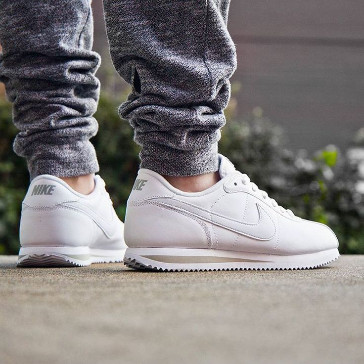sale retailer d3918 fa248 ... step-by Nike Cortez Clean White ...