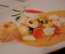 Schafskäse mit Paprika Tomaten Gemüse und Reis