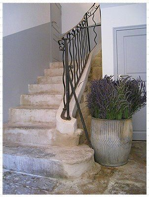 fabulous entrance hall, dolly tub filled with lavender