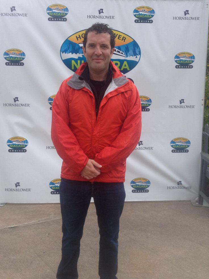 You never know who's going to stop by at Hornblower Niagara Cruises! We welcomed a special celebrity visit from #RickMercer this past weekend! #hornblower #niagaracruises #niagarafalls #cruisingcelebrities