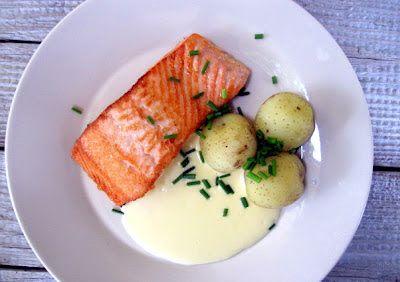 Sitruuna-voikastike paistetulle kalalle