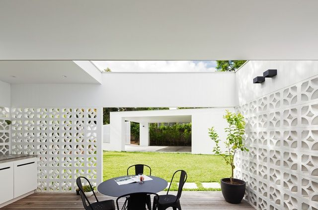 California dreamin': Breeze Block House   ArchitectureAU