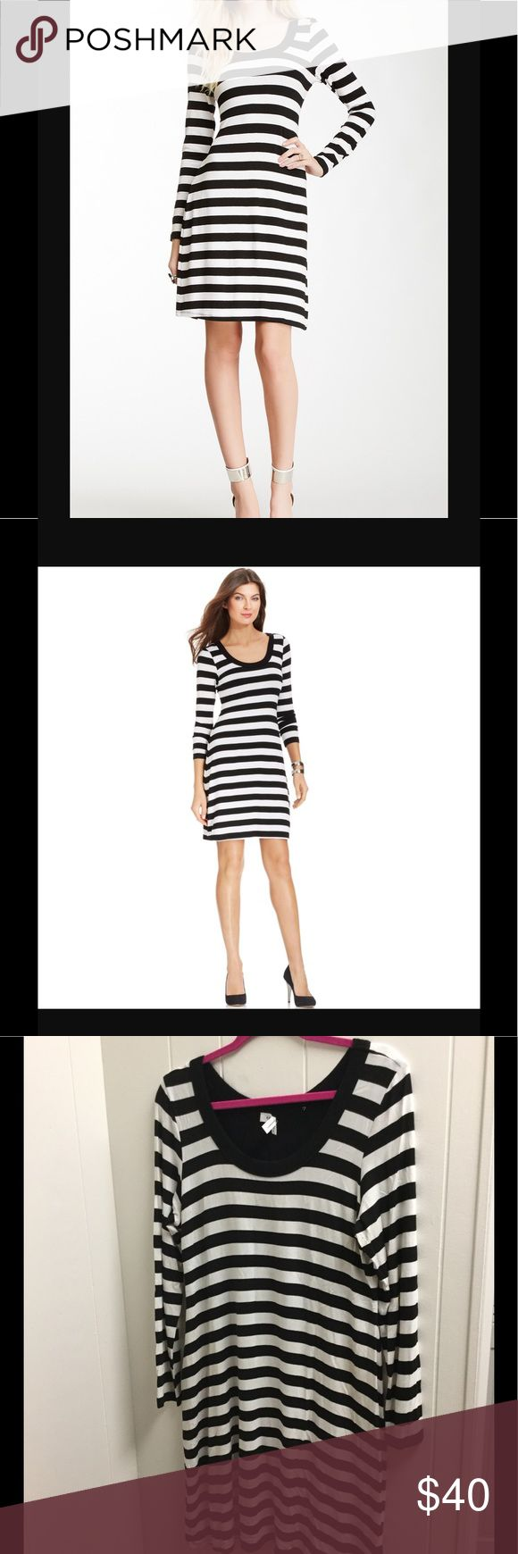 Karen Kane Xl striped dress/tunic. This fabulous stylish dress/tunic is size Xl. Karen by Karen Kane black and white striped. There is some pilling under the arms as shown in pic. Karen Kane Dresses Long Sleeve