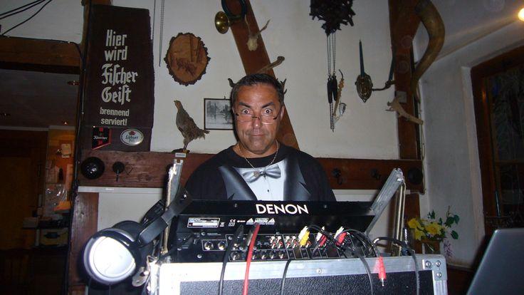 Musik in der Jägerhütte Putbus. Hochzeitsfeier mit DJ Karl-Heinz Fischer. Hochzeit auf Rügen. http://www.dj-stralsund.com