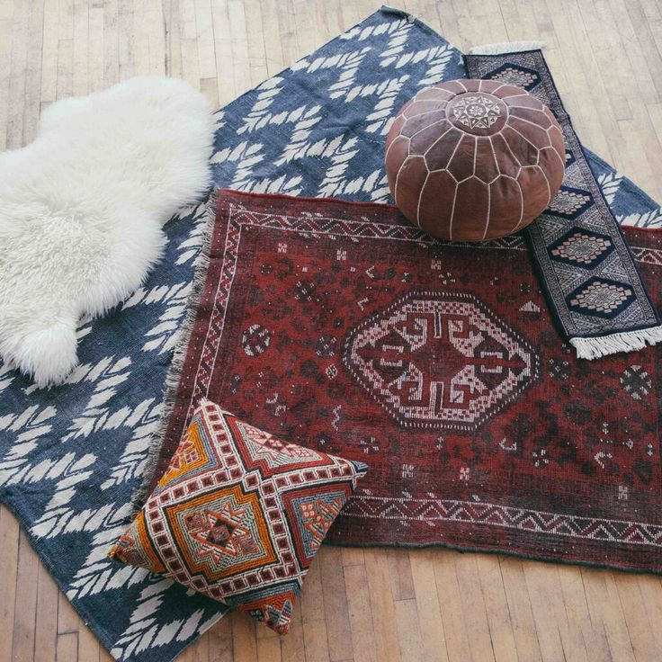 We sure do love mismatched rugs.
