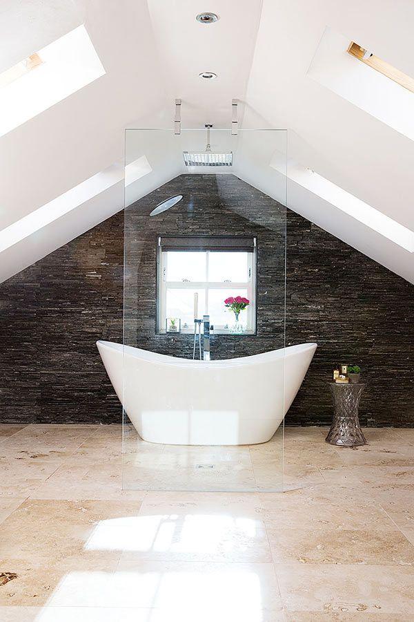 natural slate splashback in an open plan loft conv…