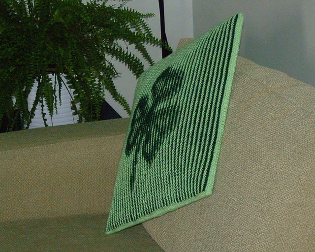 Shamrock - Illusion knitting cushion cover or wall-hanging