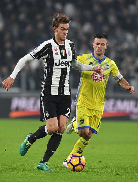Daniele Rugani (L) of Juventus FC is challenged by Ledian Memushaj of Pescara Calcio during the Serie A match between Juventus FC and Pescara Calcio at Juventus Stadium on November 19, 2016 in Turin, Italy.