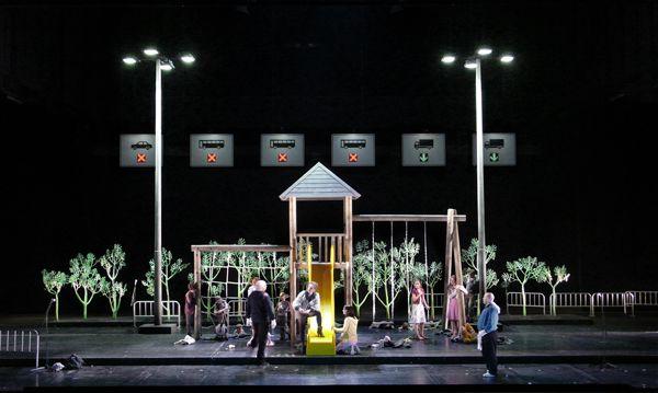 Klaus Grünberg, set and light design for Carmen, Oper Leipzig, 2009
