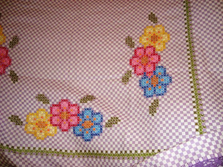 flores no bordado xadrez - da Zairinha