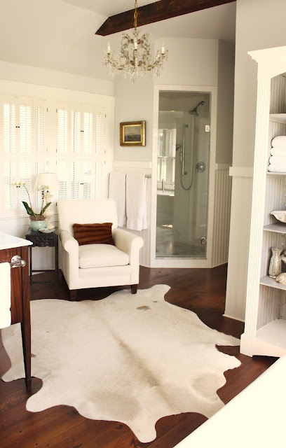 Wall and ceiling color is Benjamin Moore's Horizon OC- 53 in eggshell finish.   All woodwork is Benjamin Moore White Dove in Latex Satin Impervo.: Benjamin Moore Horizon, Masterbath, Cowhide Rugs, Shower, Master Baths, Painting Colors, South Shore Decor, Decor Blog, Master Bathroom