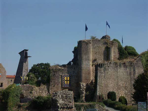 Château de Tiffauges ~ Puy du Fou ~ Vendée ~ France