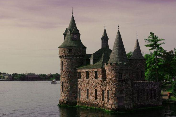 Bold Castle - Les Mille-Îles sont un archipel sur la frontière entre les États-Unis et le Canada, dans le fleuve Saint-Laurent.