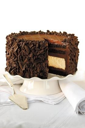 This is the best cake EVER!!!! So ready to try and make this!!! NYC's Junior's Devil's Food Cheesecake Recipe!!!