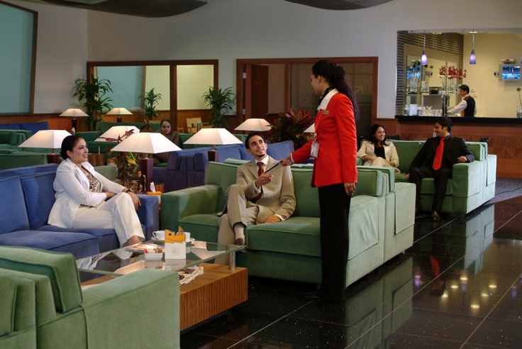 The pearl lounge at kuwait international airport lounges for Best airport lounge program