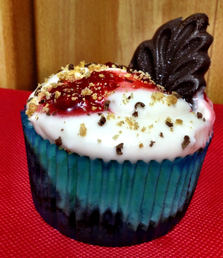 Dark Chocolate Raspberry Cheesecake | Sugar Tin Cupcakes | Pinterest