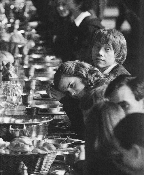 hogwarts: Hogwarts, Emma Watson, Movie, Hermione Granger, Harry Potter, Ron Weasley, Ron And Hermione, Potterhead, Cute Pictures