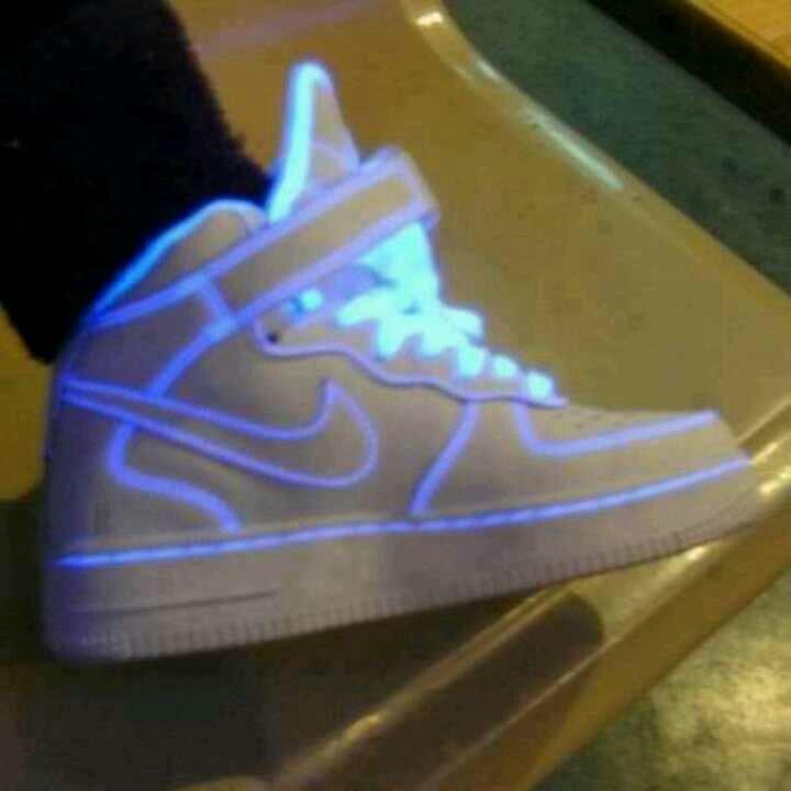 Nike women shoes neon