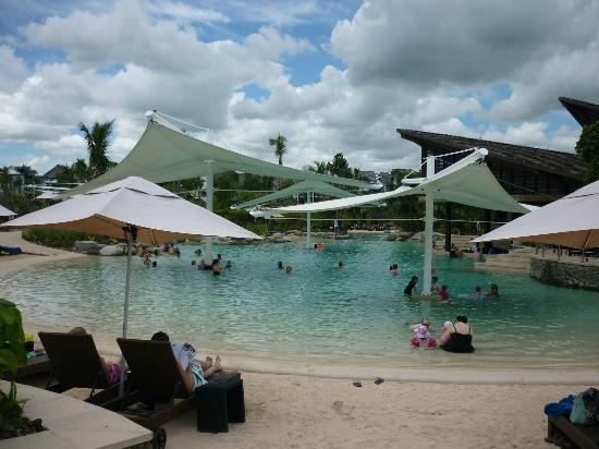 Radisson Blu Resort Fiji Denarau Island: Pool area