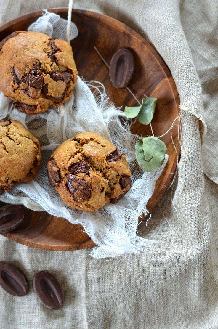 Rien ne vaut un bon cookie pour se remonter le moral. Alors voilà je vous offre ces cookies au beurre de cacahuète et chocolat, enfin...