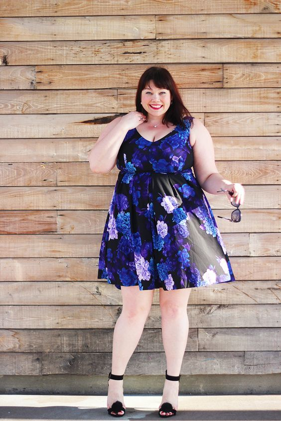 Plus size women can now easily get the type of clothes they need very easily. The market for ladies plus size clothing is expanding in leaps and bounds.