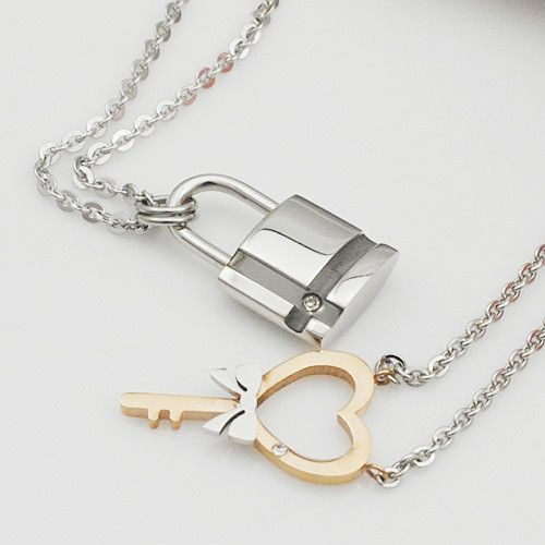 Item Type: Necklaces Fine or Fashion: Fashion Pendant Size: 2.8cm 1.5cm / 2.7cm 1.5 Style: Romantic Necklace Type: Pendant Necklaces Gender: lovers' Material: Rhinestone Chain Type: Link Chain Length: