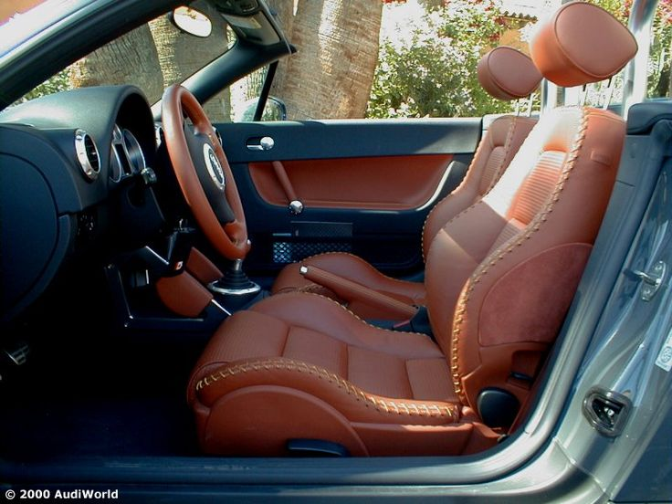 """audi TT Roadster is available in the exclusive amber red leather interior with """"baseball stitching"""". This baseball stitching is completely hand-sewn and the produces a unique effect. grey brown black"""
