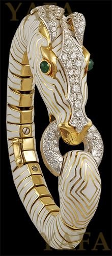 DAVID WEBB Diamond and Emerald Horse Bangle - Yafa Jewelry