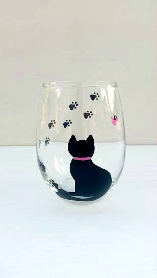 Cat hand-painted wine glass stemless by CrystalsGlassDesigns