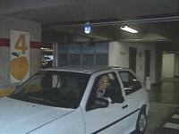 Sinalizador de Garagem - O empresário Francisco Roldan vivia sofrendo na hora de encontrar uma vaga nos concorridos estacionamentos. Um dia, quase adormecendo, enquanto esperava uma vaga, teve uma idéia. E assim nasceu o sinalizador de garagem. A invenção virou um produto e também um negócio. O sinalizador é um sistema de sensores com lâmpada que indica se a vaga está ocupada ou não.