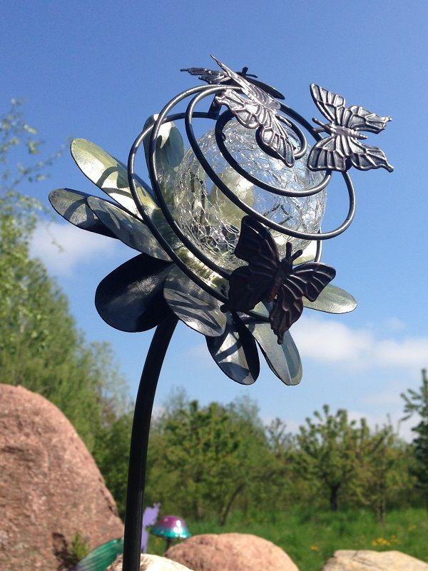 Niezwykle Ozdoby Solarne Z Metaloplastyki Do Ogrodu I Na Taras Wiecej Inspiracji Na Www Aurora Garden Pl Halloween Wreath Hanukkah Wreath Wreaths