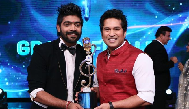 Indian Idol 9, Indian idol 9 winner LV Revanth, Indian Idol 2017 winner, winner of indian idol 2017, indian idol 2017, indian idol, indian idol winner, indian idol 9 winner, Lv revanth, mangobollywood, bollywood latest news, Revanth Indian idol, lv revanth indian idol, Indian Idol Season 9, LV Revanth, PVNS Rohit, Khuda Baksh, lv revanth, sachin tendulkar, sunil grover, lv revanth sachin tendulkar