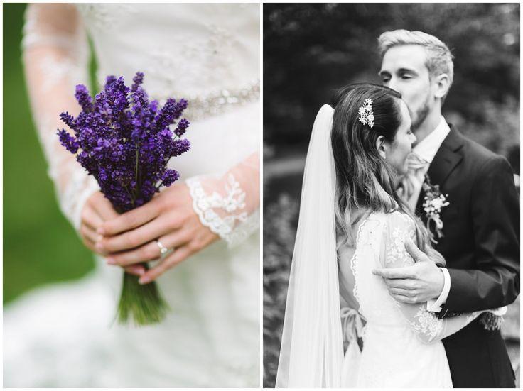 Beautiful vintage chic bride with lavender // lavender bukett