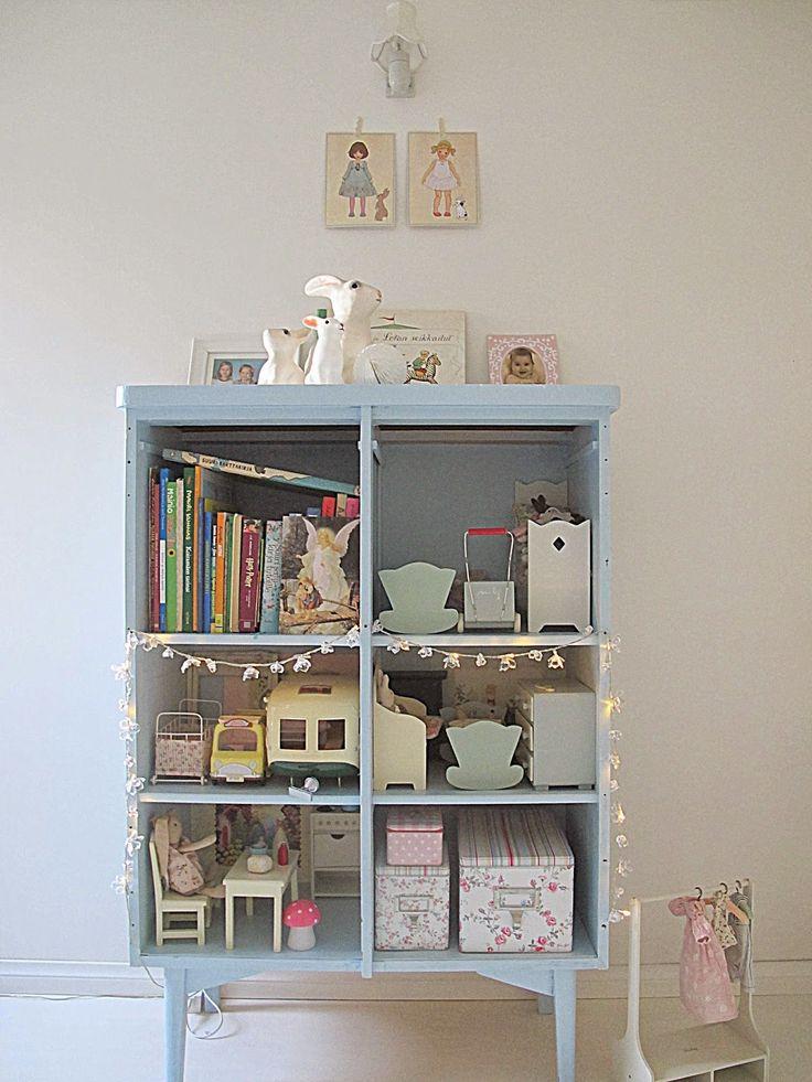 Ruusuhuone / Loving White blog, kids room details