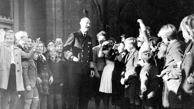 King Haakon with Norwegian refugees in Scotland 1942 - ww2