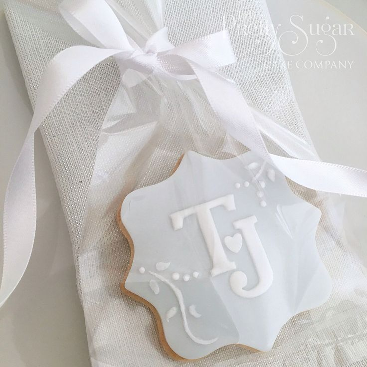 Cookie initials wedding favours