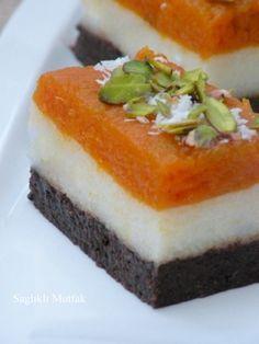 bal kabaklı üç renkli irmik pastası